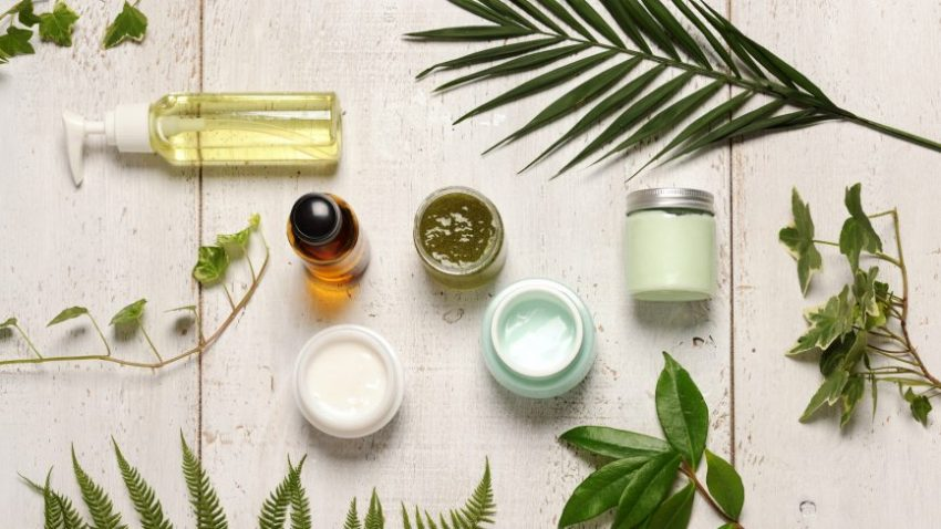 Using Natural & Organic Skin Care Products